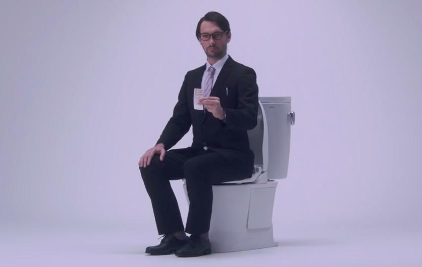 关于正确的如厕姿势,日本Docomo有话要说